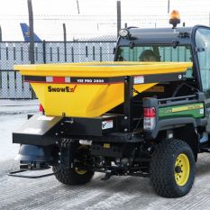 SP-3000 V-PRO SPREADER & ROAD LEGAL TRAILER