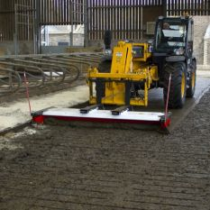 BM-180 PUSH BROOM